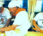 "I Piadaioli di Forlimpopoli alla Feste Golose 2000 di Villeneuve Loubet - Foto tratta dal ""Calendario Villeneuve Loubet"""