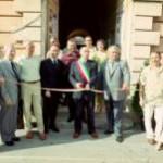 """Inaugurazione della mostra  """"Il dono degli artisti per il dono del sangue""""  organizzata dall'AVIS."""